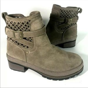 Muck boots womens 8 Tan suede leather Liberty